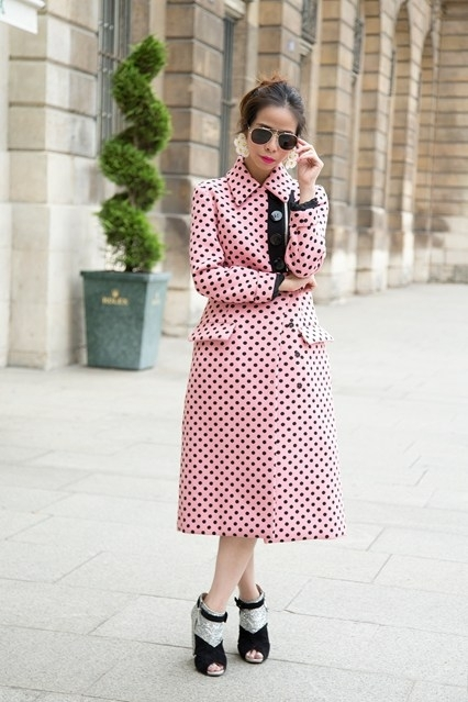 http://streetstyle.allwomenstalk.com/street-style-ways-to-wear-pink-coats-for-fall