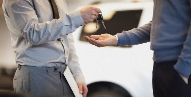 เช่ารถขับเที่ยวเองครั้งแรก ต้องทำยังไงบ้าง